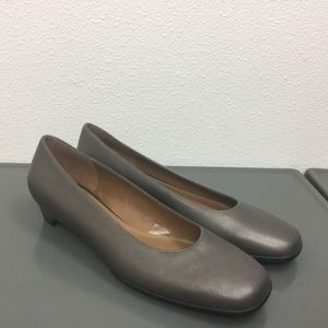 Naturalizer Gray Platinum Slip On Pumps Shoes 8.5M